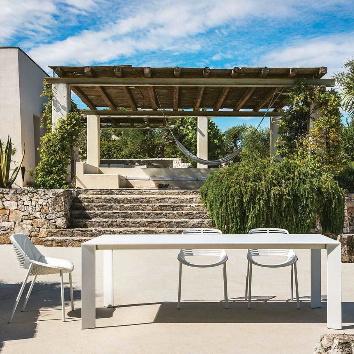 Modern Garden Company Outdoor Living Westbury 3