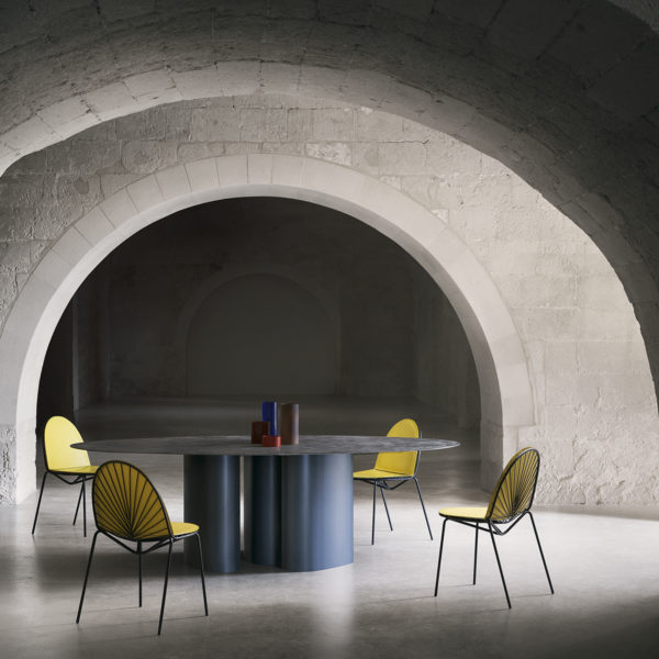 Da A I Tube Table And Sen Su Chairs