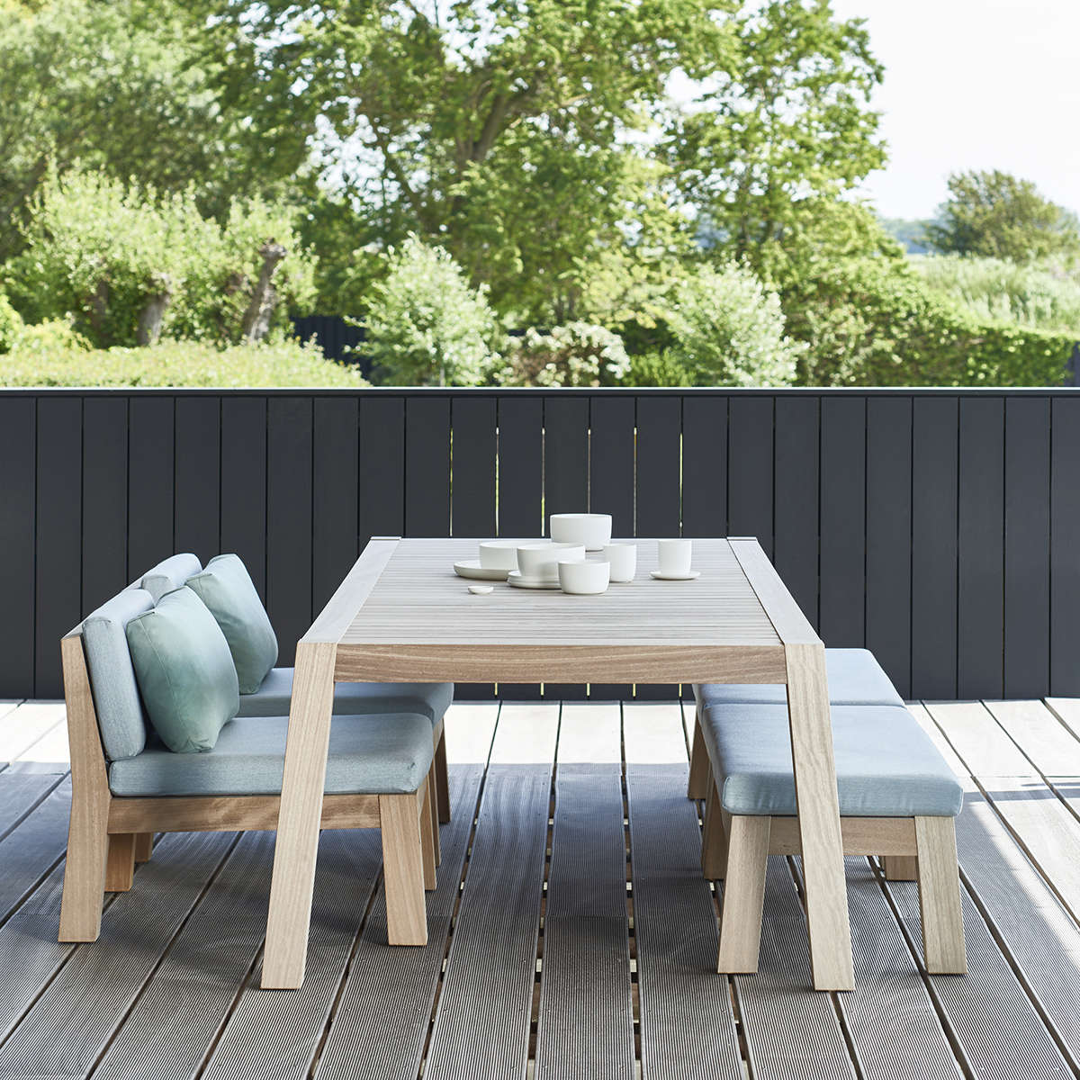 Anne Dining Table 229 With Niek Ambient