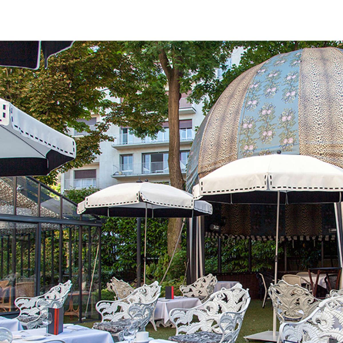 Couture Parasol St James Paris