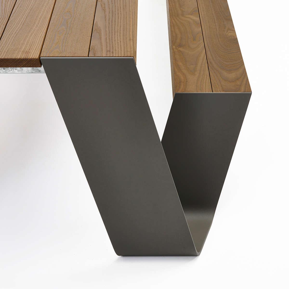 Hopper Table 15