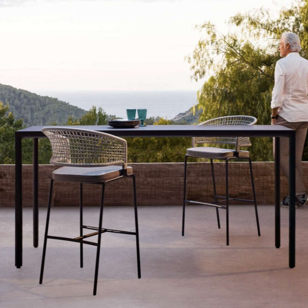 Illum Bar table ambient
