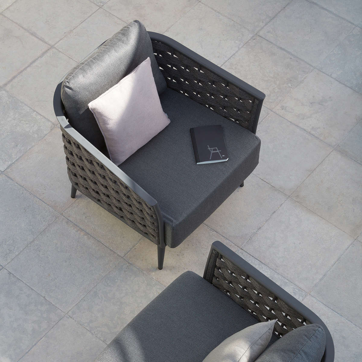 Manutti Cascade Lounge Chair2