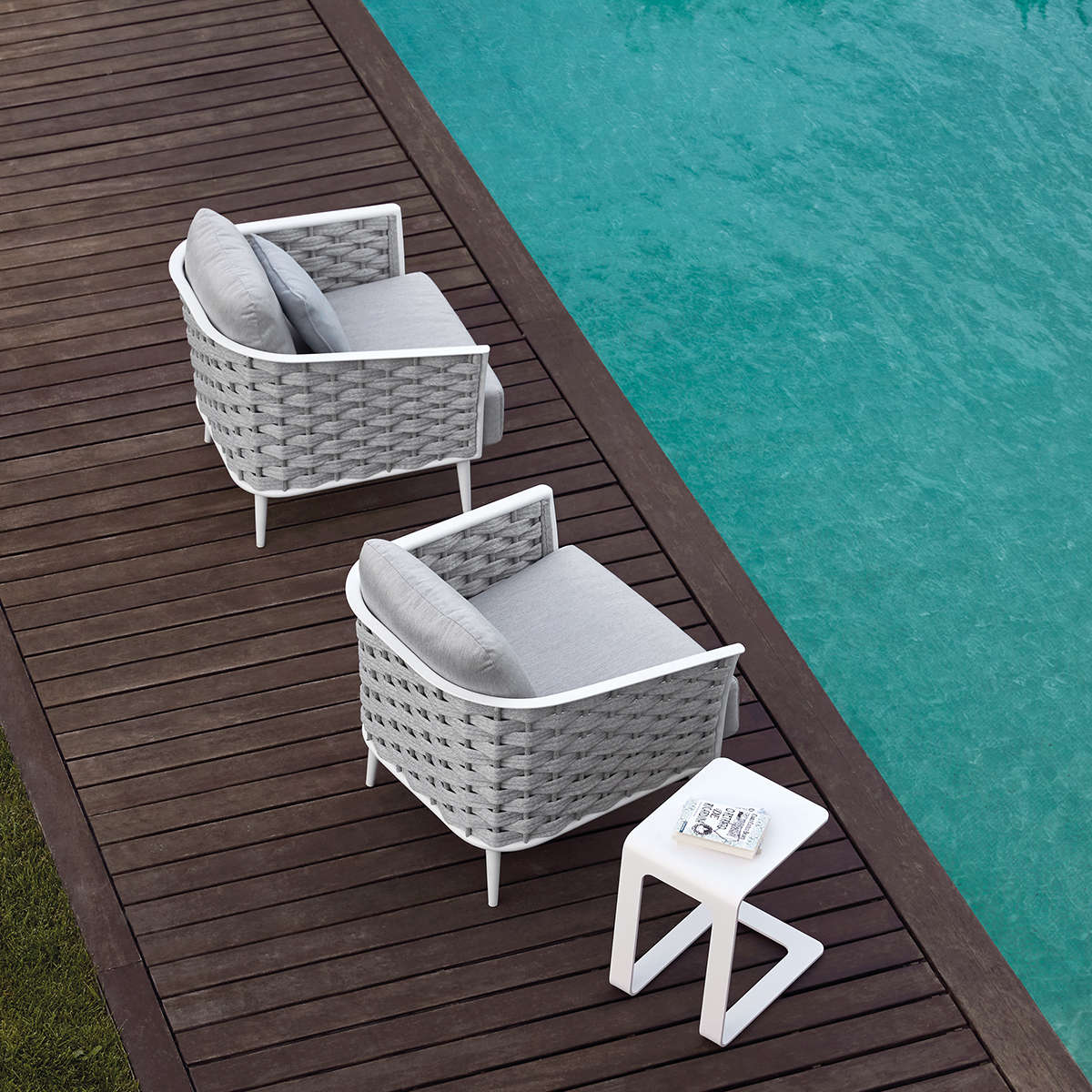 Manutti Cascade Lounge Chair3