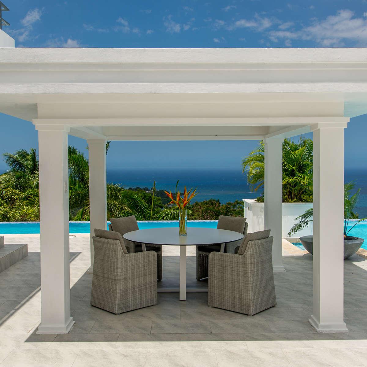 Manutti Fuse Dining Table Round Villa Destiny Project Image Hr 6