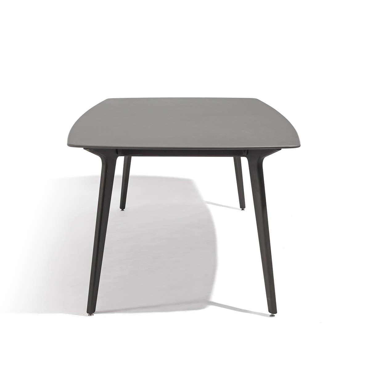 Manutti Torsa Dining Table Cut Out 5