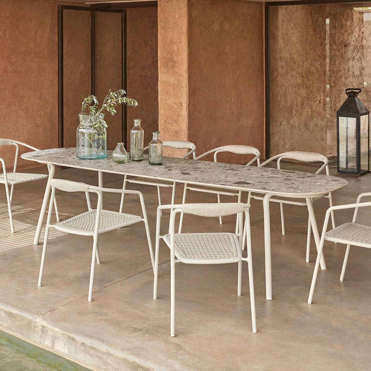 Minus Table Ambient 05