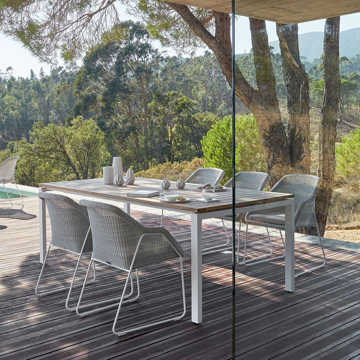 Modern Garden Trento Dining Table With Teak Top