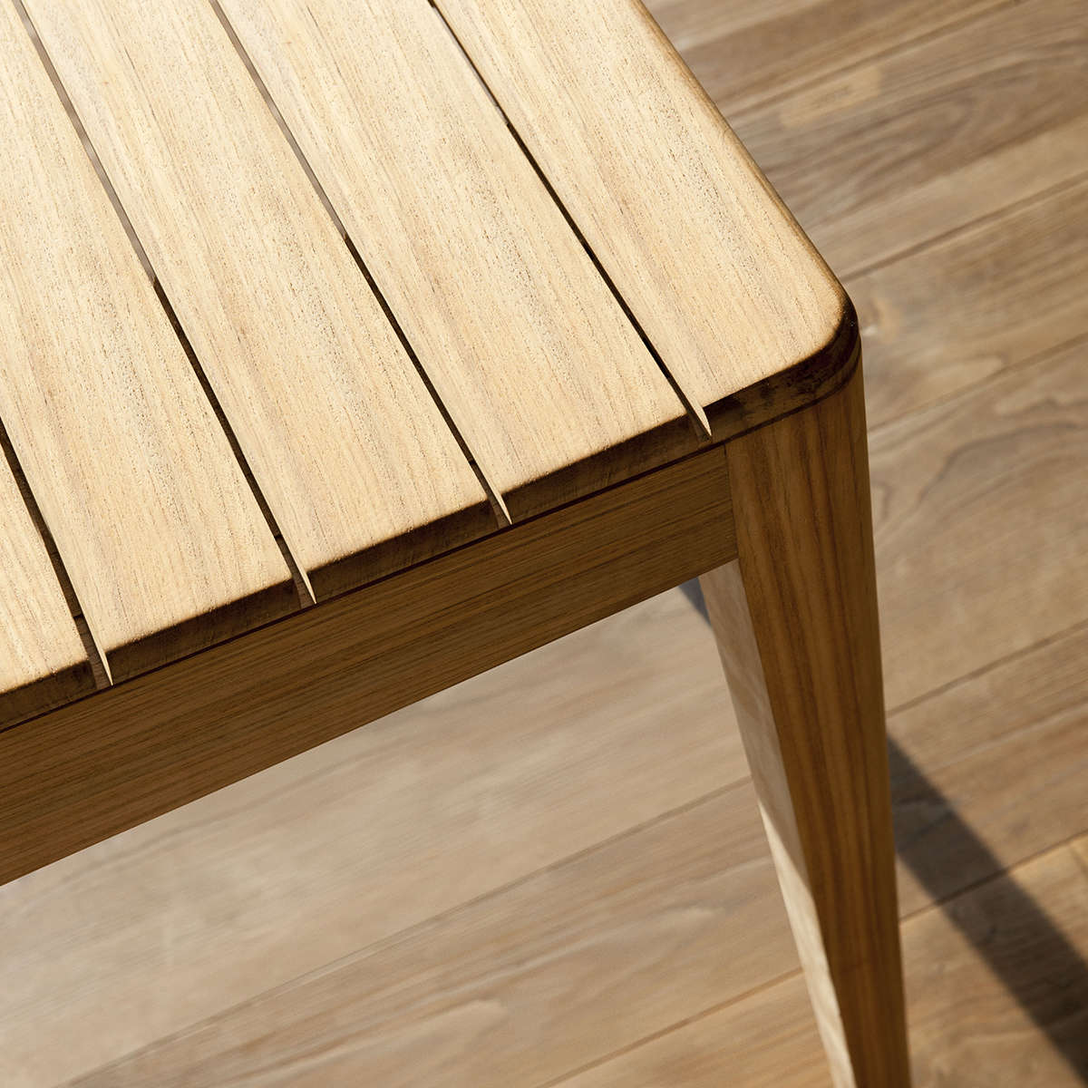 Tribu Mood Dining Table Detail