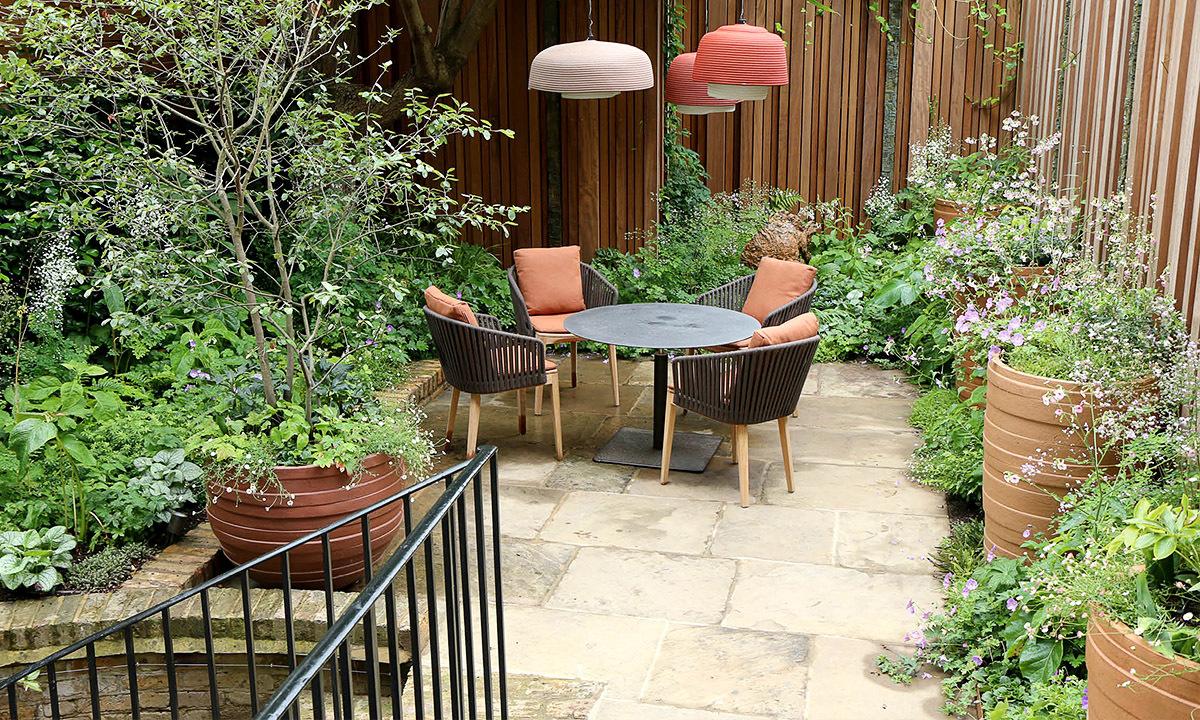 Alexander Square, London by Design: Stefano Marinaz Landscape Architect