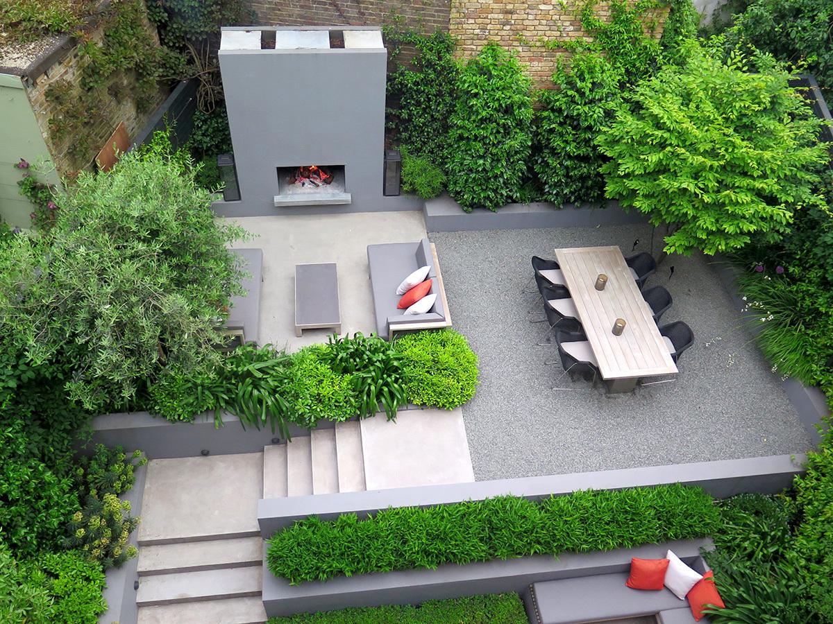 Canalside garden by Design: Charlotte Rowe